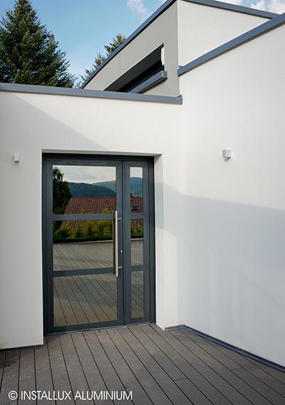 Porte vitrée en aluminium ©Glass'Inov